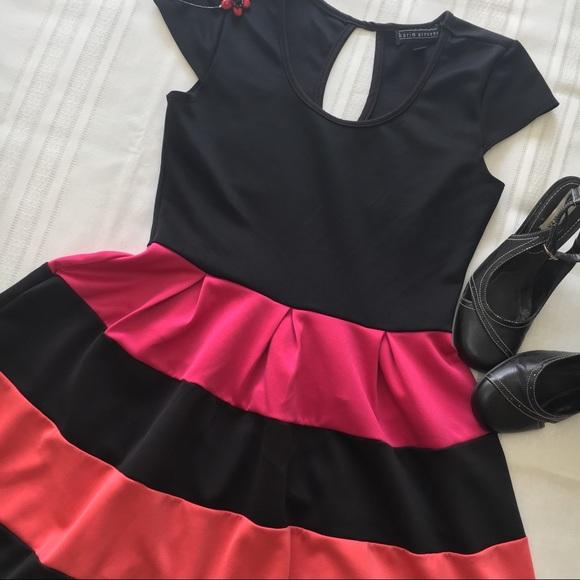 karin stevens Dresses & Skirts - Karin Stevens Dress, black pink coral, sz M